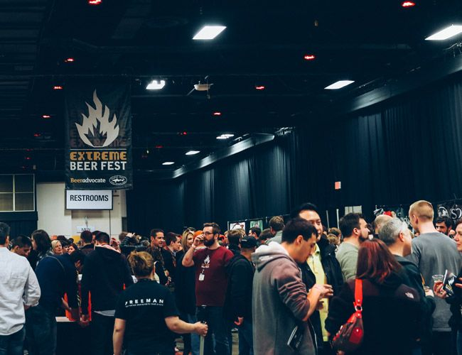 Extreme-Beer-Festival-Gear-Patrol-Ambiance-2