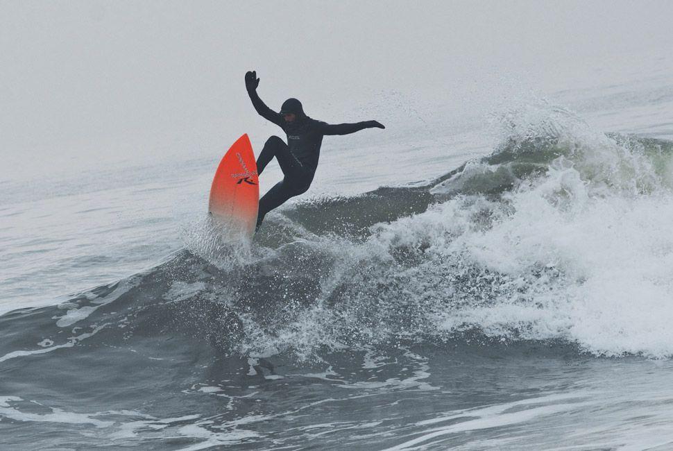 winter-surfers-of-new-england-gear-patrol-slide-10