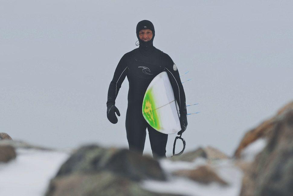 winter-surfers-of-new-england-gear-patrol-slide-11