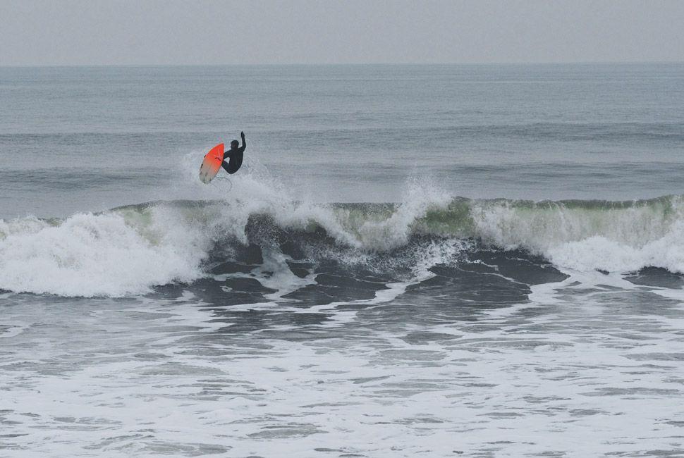 winter-surfers-of-new-england-gear-patrol-slide-12