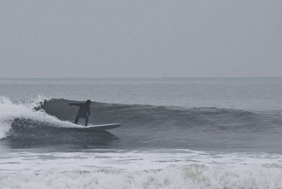 winter-surfers-of-new-england-gear-patrol-slide-14