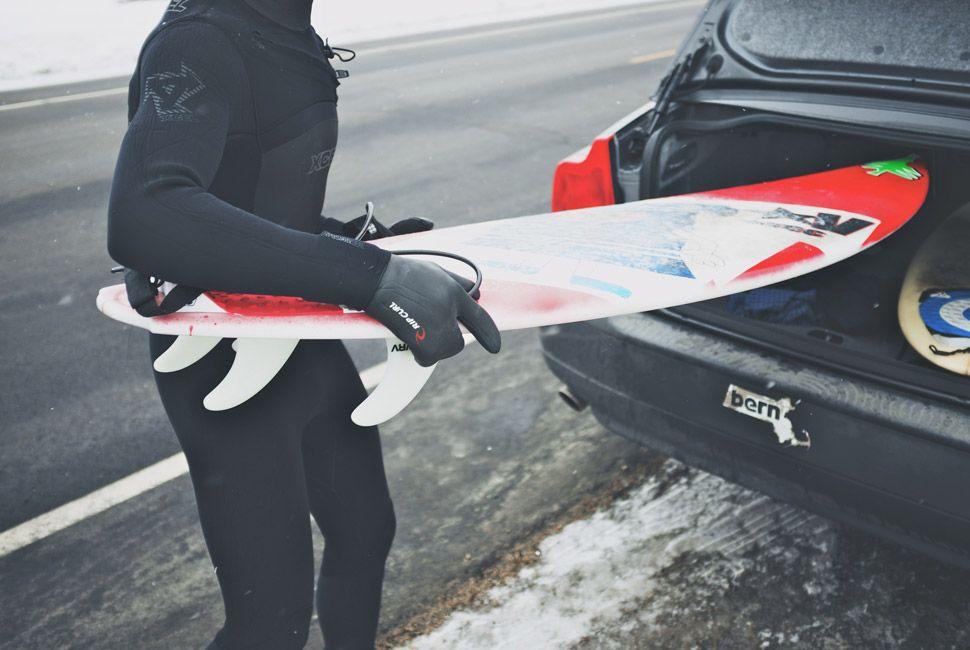 winter-surfers-of-new-england-gear-patrol-slide-19