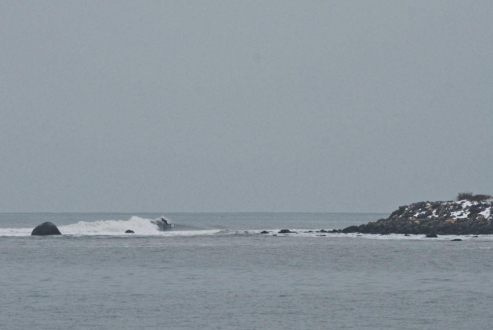 winter-surfers-of-new-england-gear-patrol-slide-4