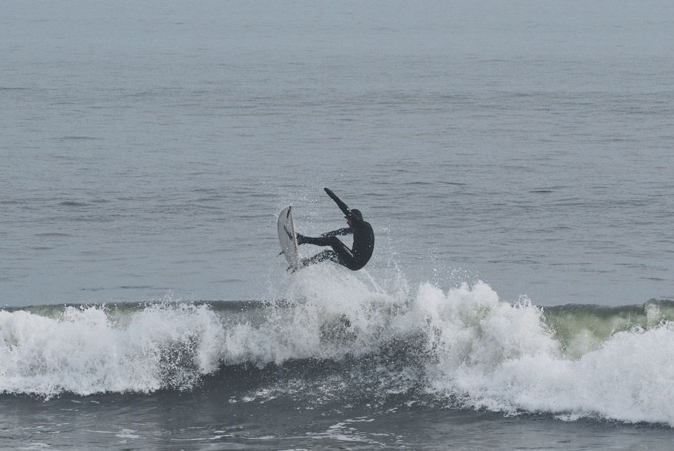 winter-surfers-of-new-england-gear-patrol-slide-6