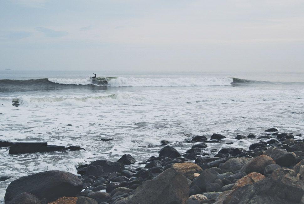 winter-surfers-of-new-england-gear-patrol-slide-8