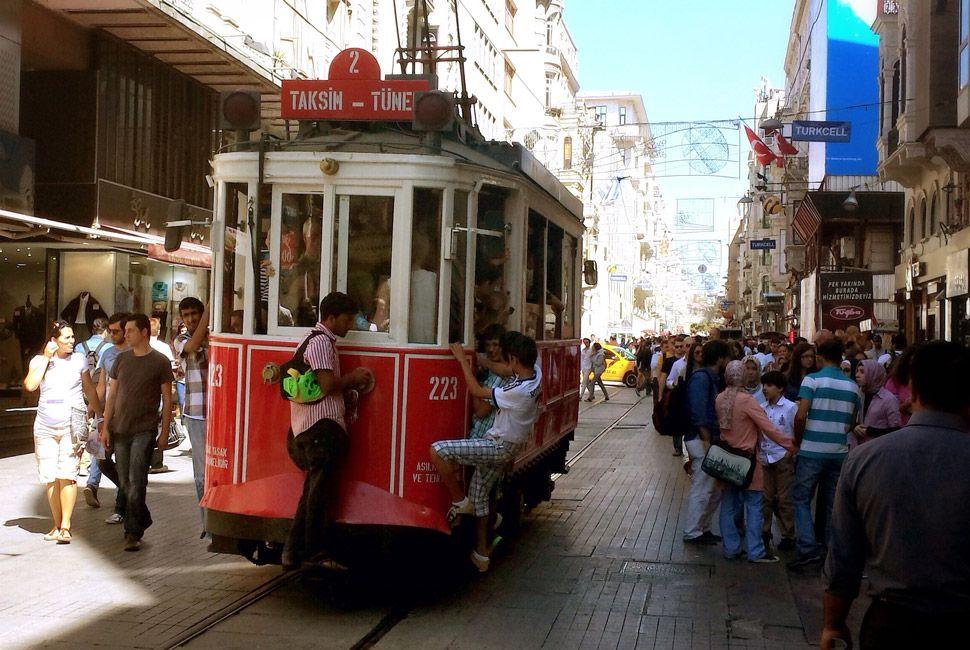 Istanbul-Gear-Patrol-Slide-13