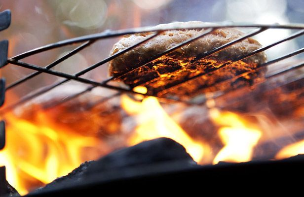 grilling-tips-sidebar-gear-patrol