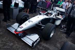 hedfield-mcl-aren-goodwood-hillclimb-sidebar-gear-patrol