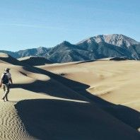 hiking-the-great-sand-dunes-of-colorado-gear-patrol-lead