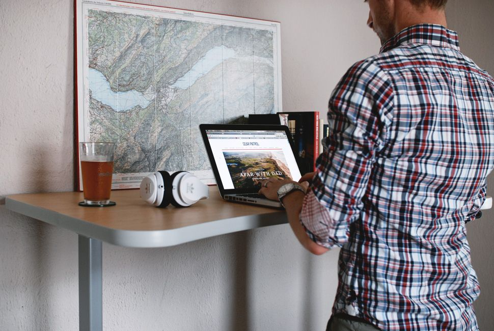how-to-use-a-standup-desk-gear-patrol-lead-full