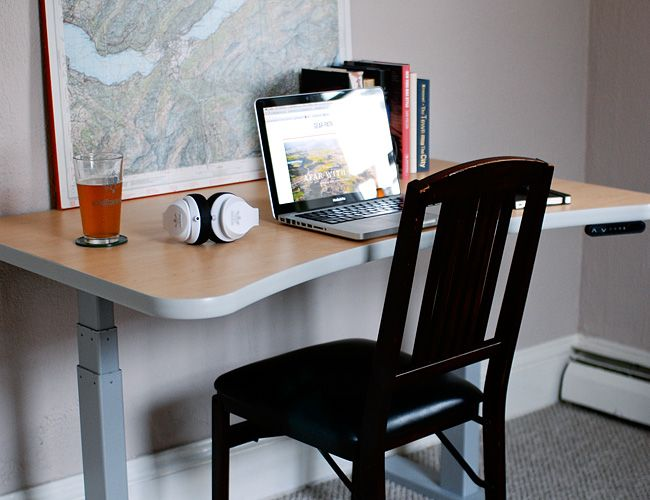 how-to-use-a-standup-desk-gear-patrol-slide-4