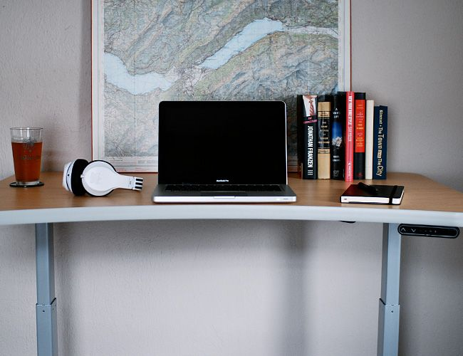 how-to-use-a-standup-desk-gear-patrol-slide-7
