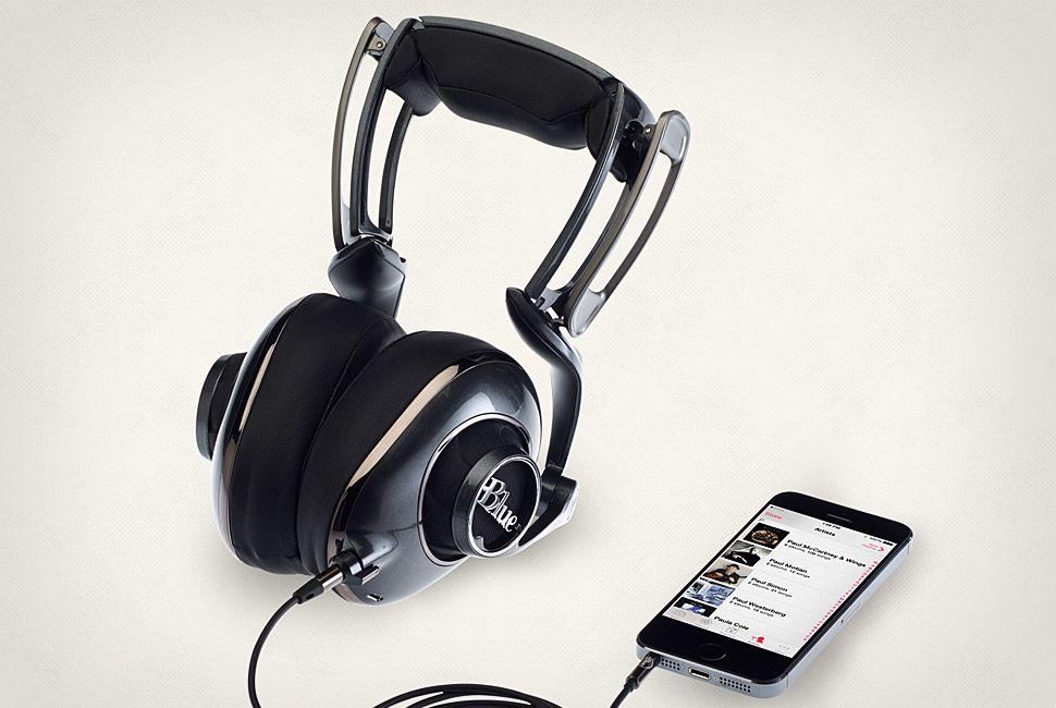 Blue-Mo-Fi-Headphones-Gear-Patrol-Full