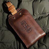 Luggage-Tag-Wallet-Gear-Patrol