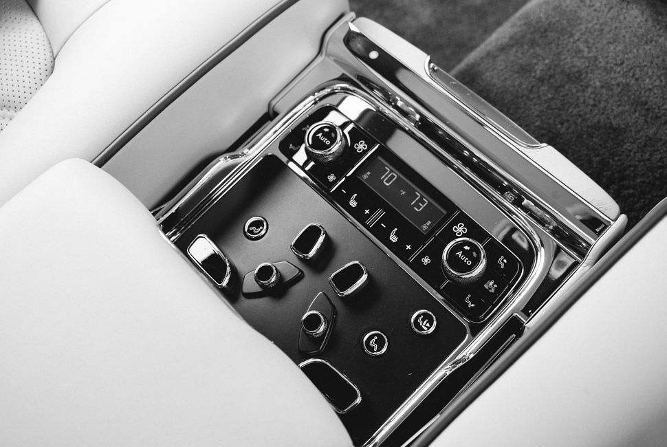Bentley-Mulsanne-Gear-Patrol-Slide-12
