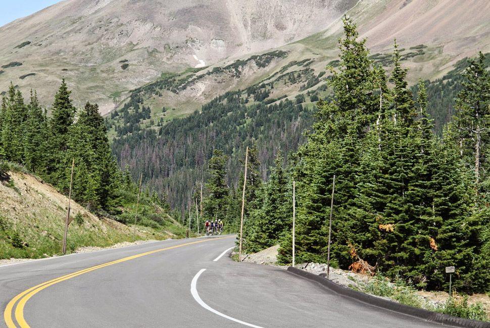 Trailridge-Road-Gear-Patrol-Slide-2