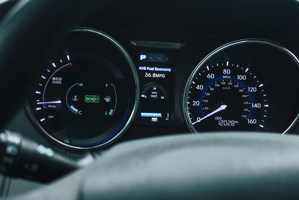 Sonata-Hybrid-Gear-Patrol-Slide-2