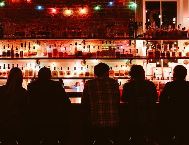 How-Kentuckians-Drink-Their-Bourbon-Gear-Patrol-Lead