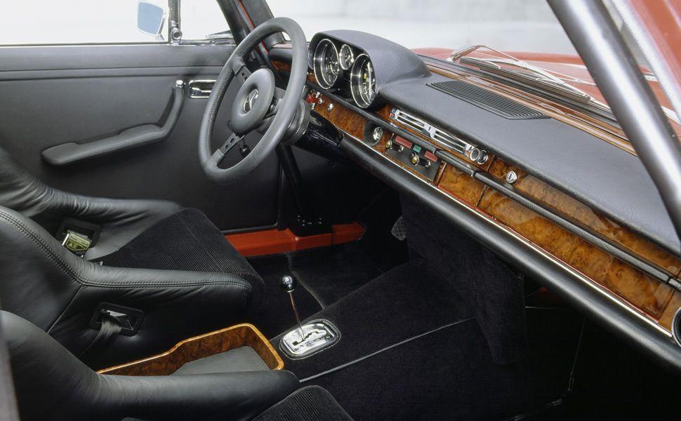 Mercedes-Benz-300-SEL-63-AMG-Gear-Patrol-Ambiance-3