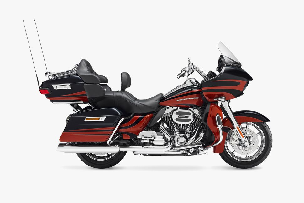 tour-bike-gear-patrol-harley02