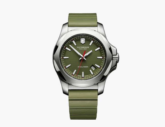 Victorinox-Summer-watch-gear-patrol