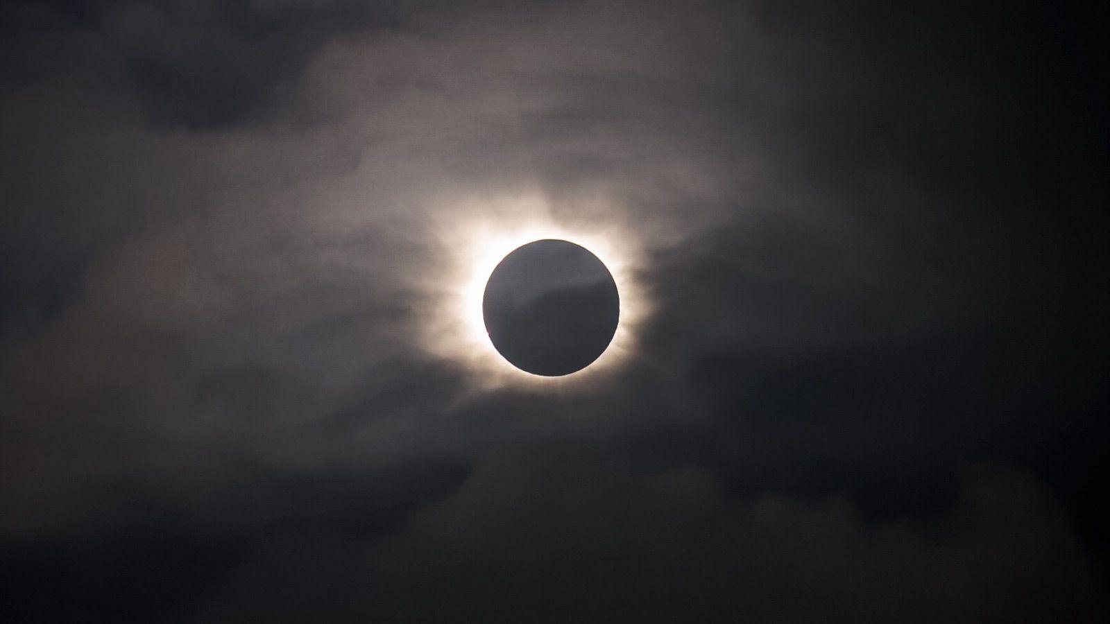 Faroe-Ambiance-Gear-Patrol-Eclipse-Tall