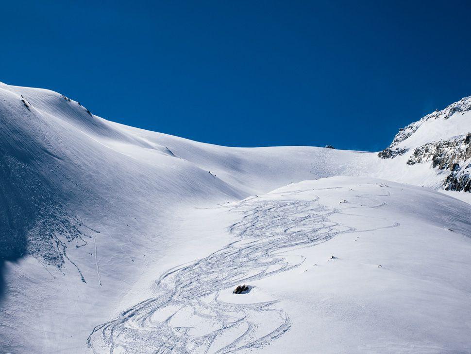 Heli-Skiing-Gear-Patrol-Slide-10
