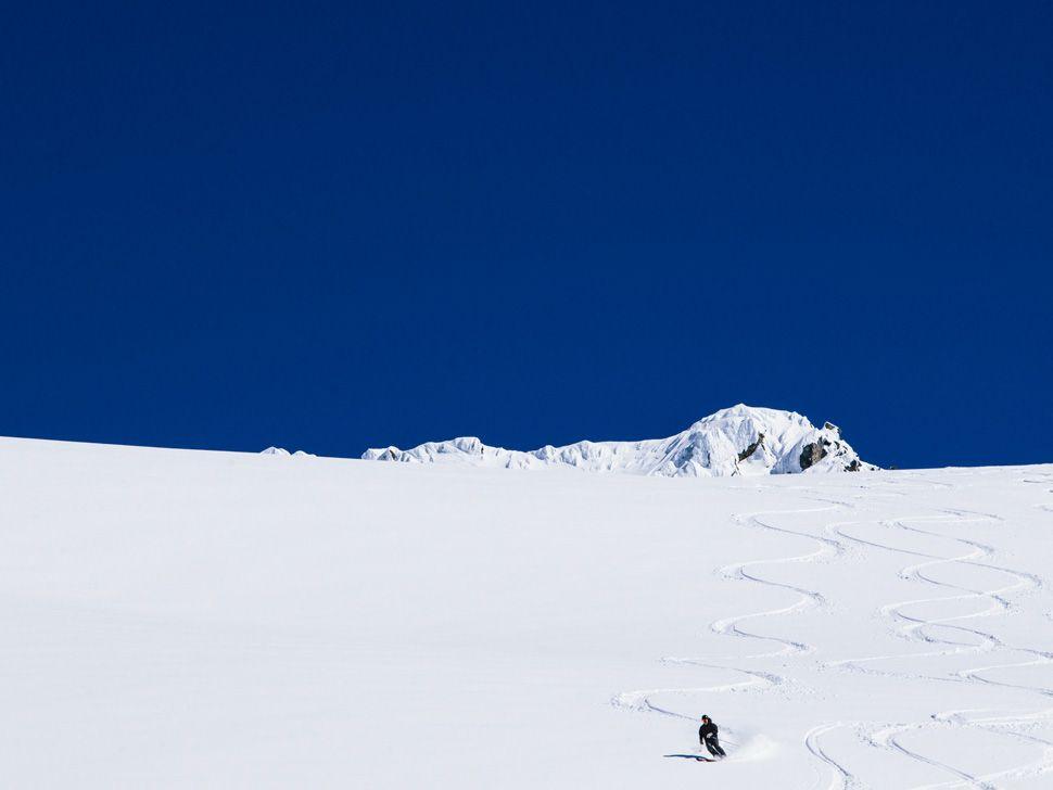 Heli-Skiing-Gear-Patrol-Slide-15