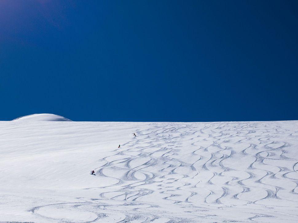 Heli-Skiing-Gear-Patrol-Slide-19
