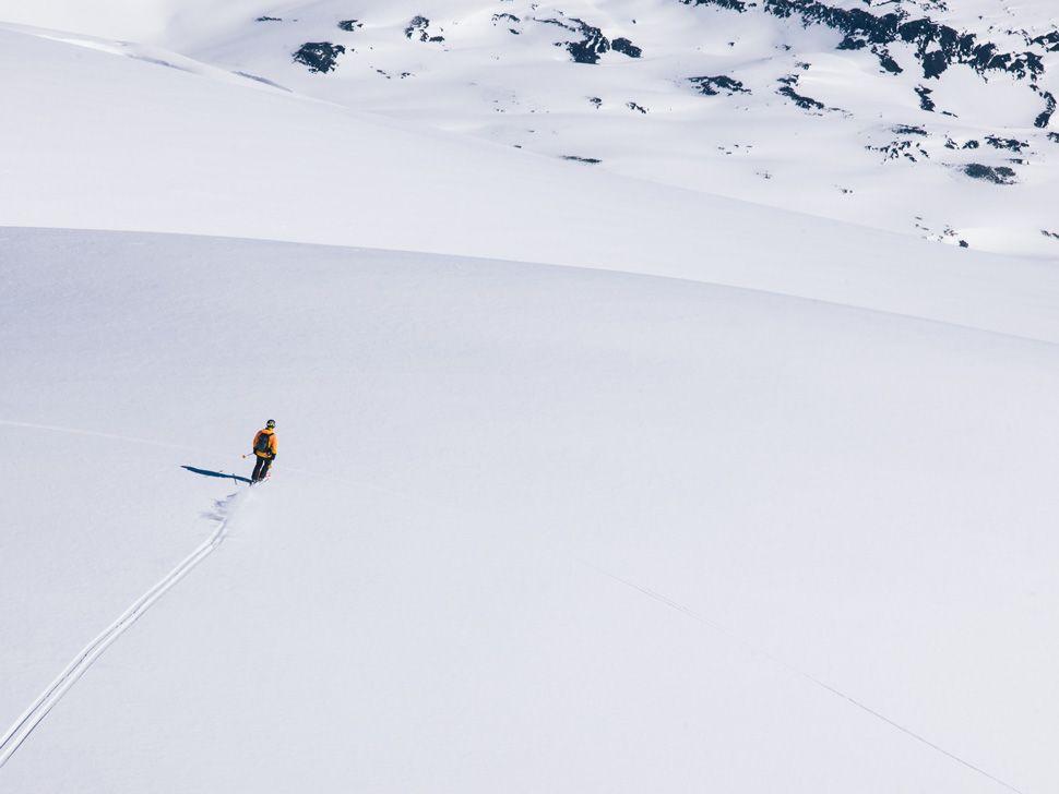Heli-Skiing-Gear-Patrol-Slide-8