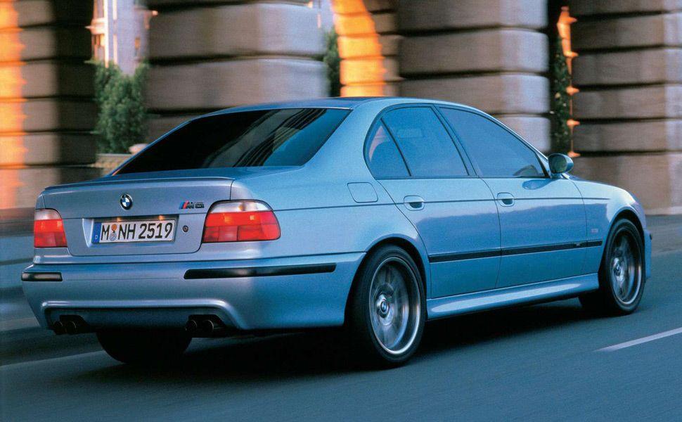 BMW-E39-M5-Gear-Patrol-Ambiance-1