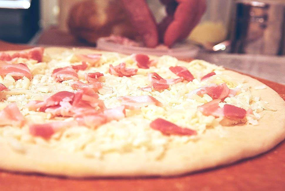 pizza-de-casa-gear-patrol-5