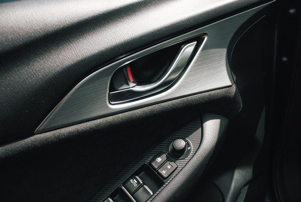 Mazda-CX3-Gear-Patrol-Slide-3