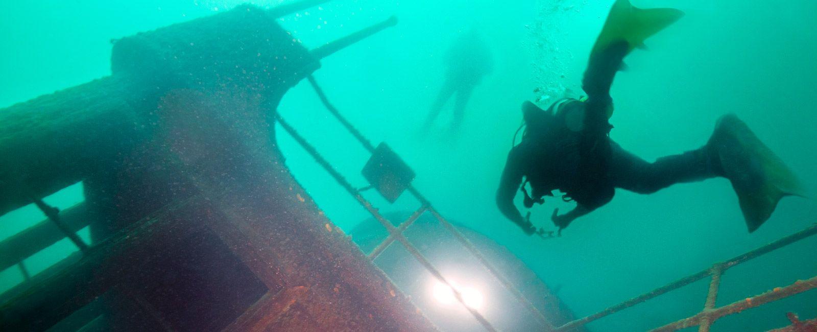 Tudor-Great-Lakes-Diving-Gear-Patrol-Ambiance-2