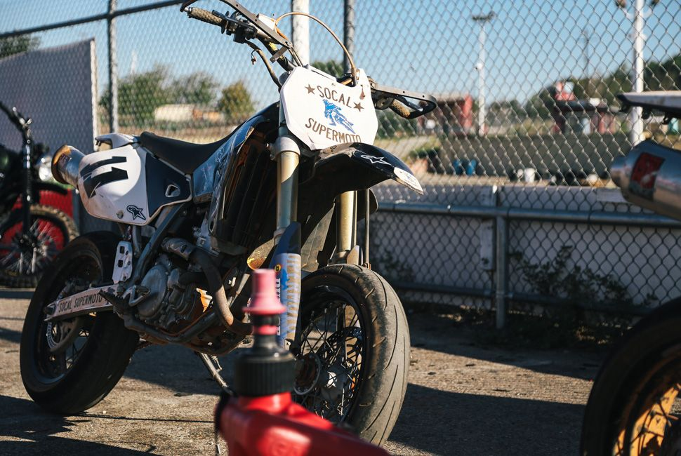 Supermoto-School-Gear-Patrol-Ambiance-970-1
