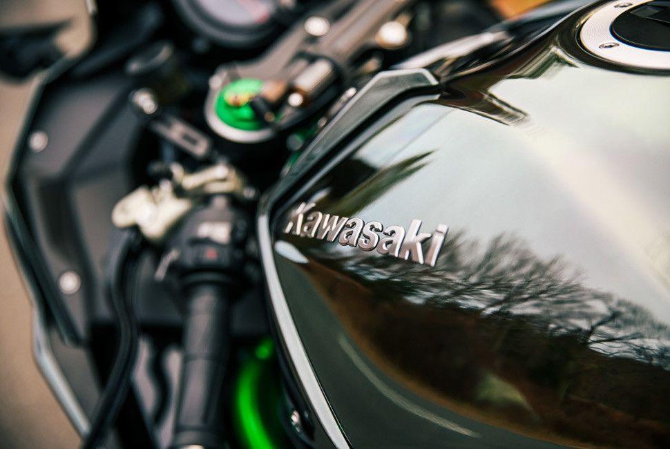 Kawasaki-H2-Gear-Patrol-Slide-6