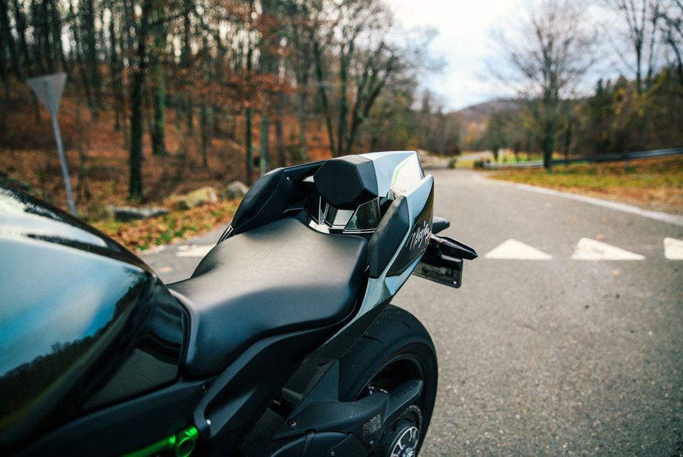 Kawasaki-H2-Gear-Patrol-Slide-7
