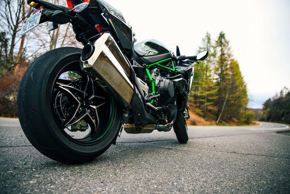 Kawasaki-H2-Gear-Patrol-Slide-9