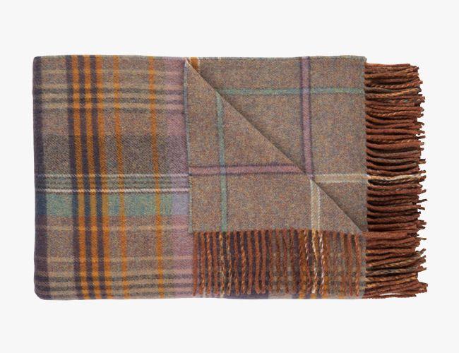 wool-blankets-gear-patrol-johnston-lambswool
