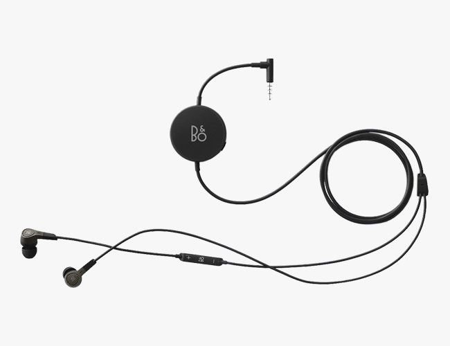 Best-Noise-Canceling-Earbuds-Gear-Patrol-BO-Play-H3-ANC