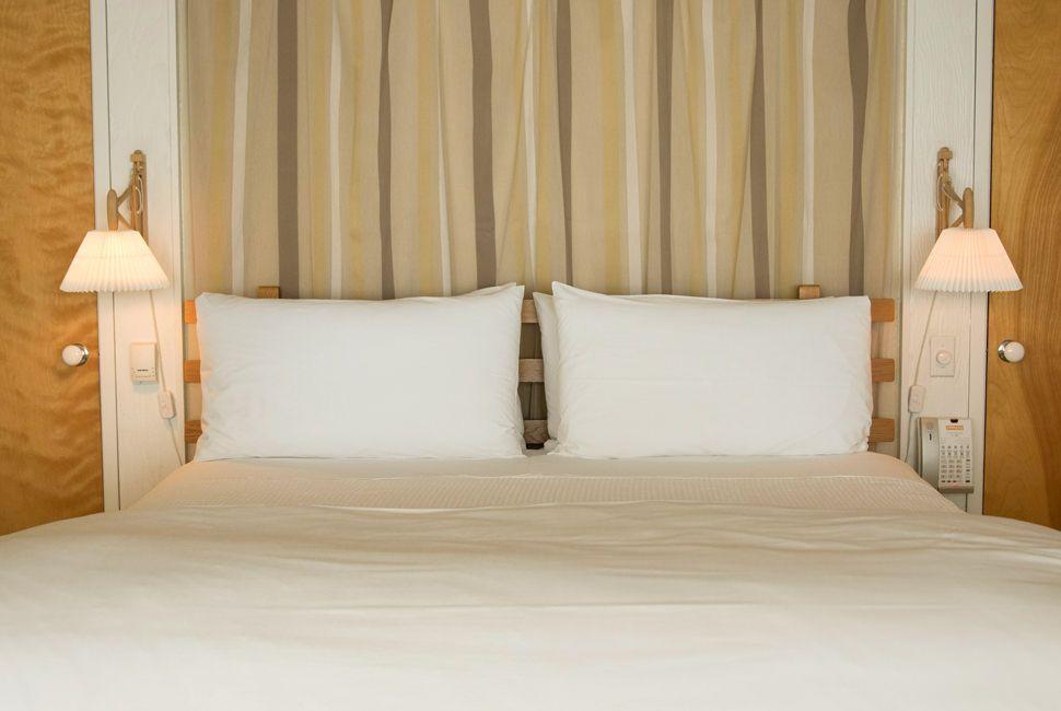 25-Best-Hotels-Standard-2