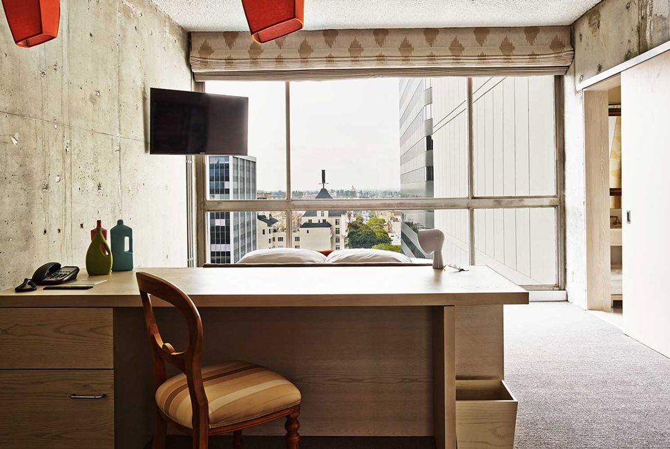 25-Best-Hotels-TheLine-2