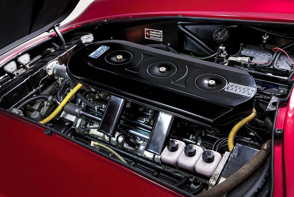 Ferrari-275-Nart-Spider-Gear-Patrol-Slide-6