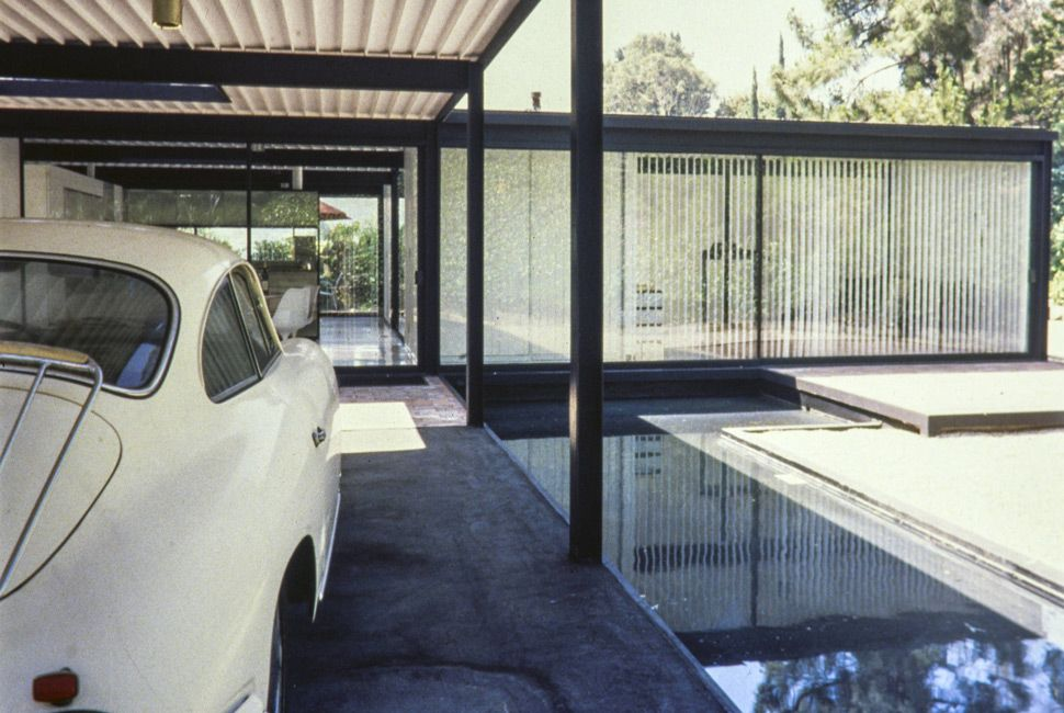 The Bailey residence in West Hollywood, 1958. Designed by Pierre Koenig.