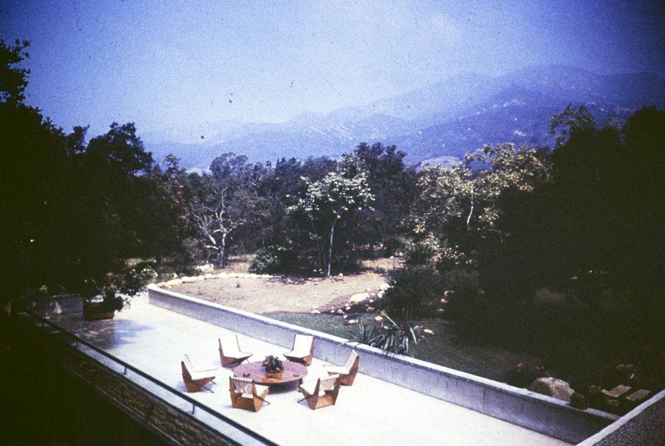 The Tremaine residence, 1949. Designed by Richard Neutra