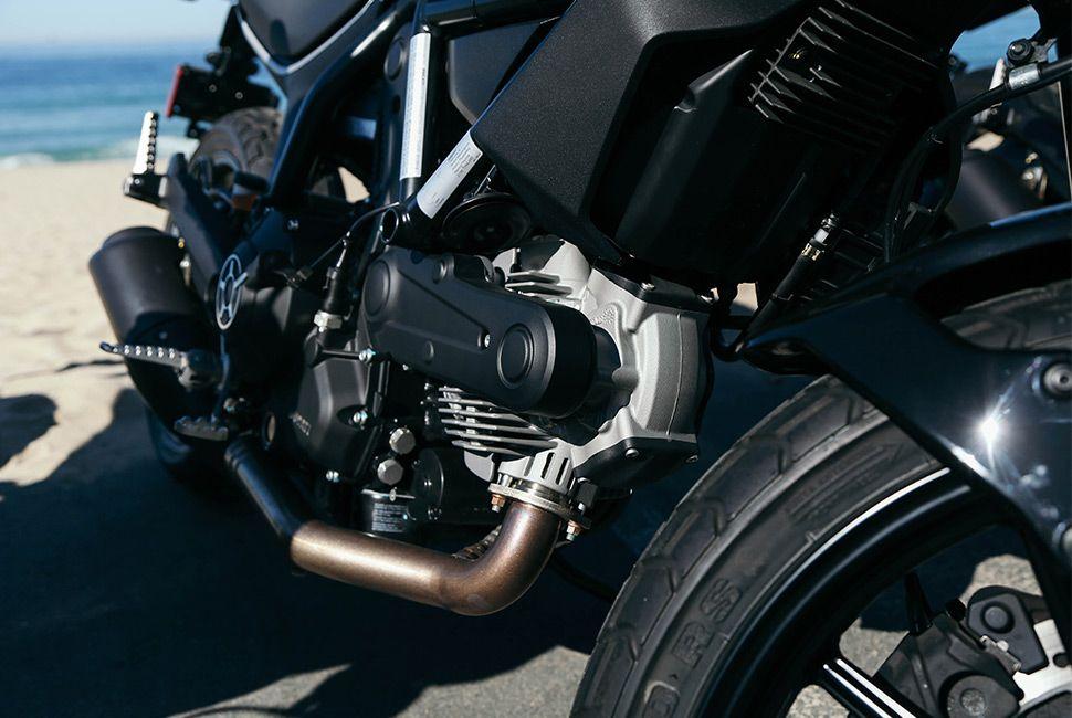 ducati-scrambler-sixty2-gear-patrol-slide-3