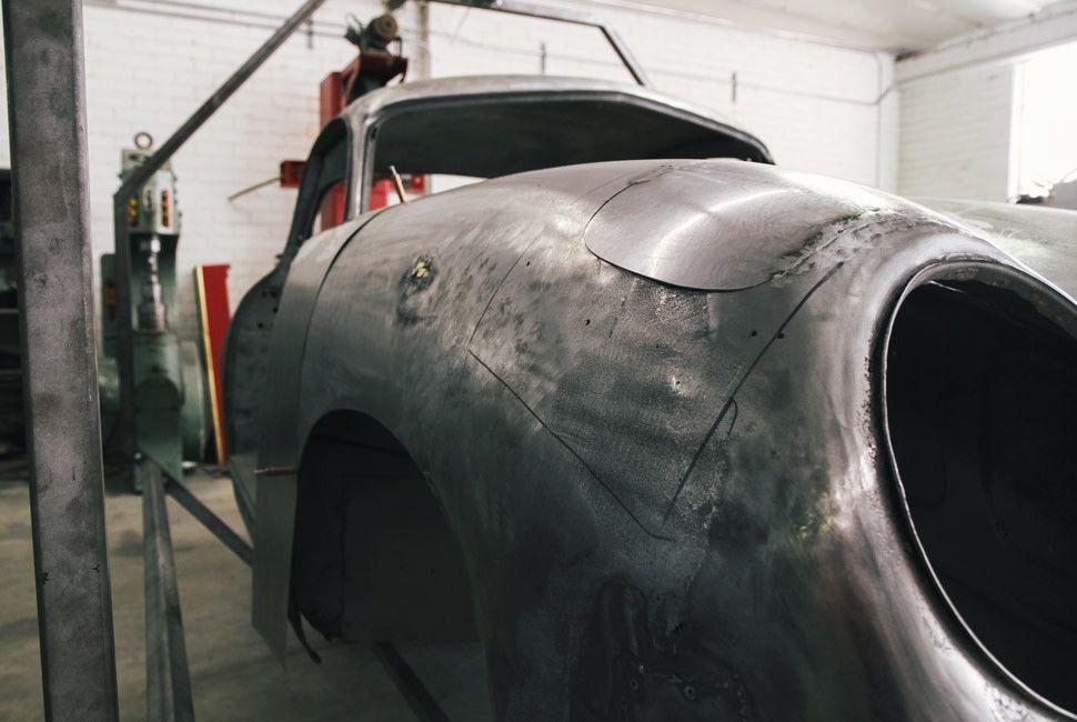 Emory-Porsche-Gear-Patrol-Slide-4