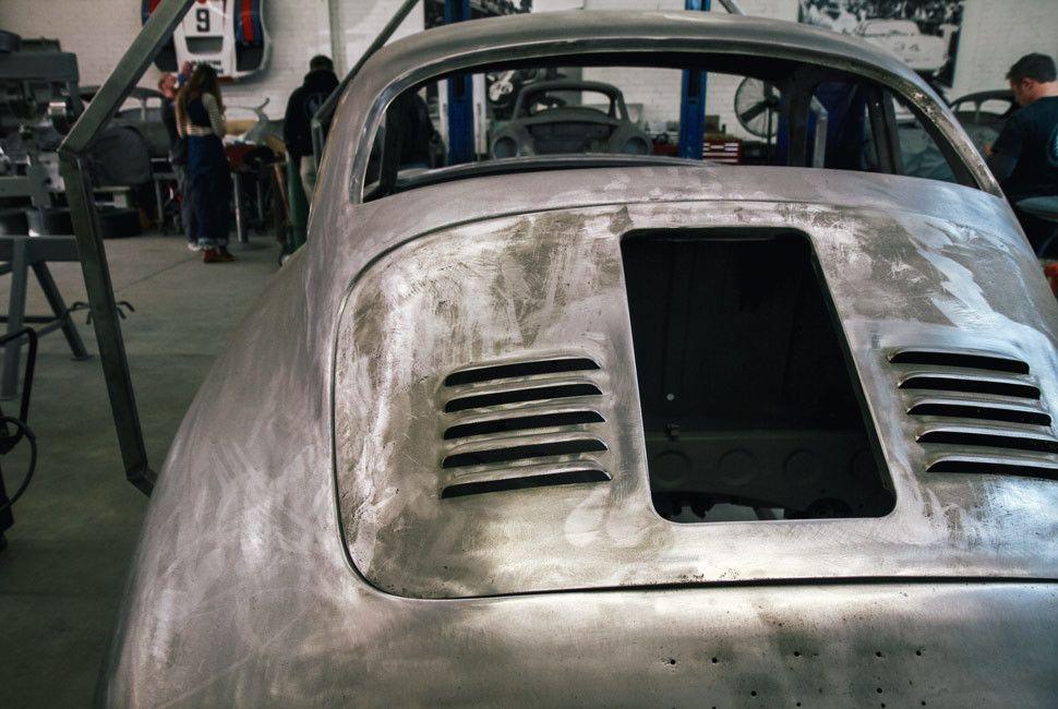 Emory-Porsche-Gear-Patrol-Slide-6-3