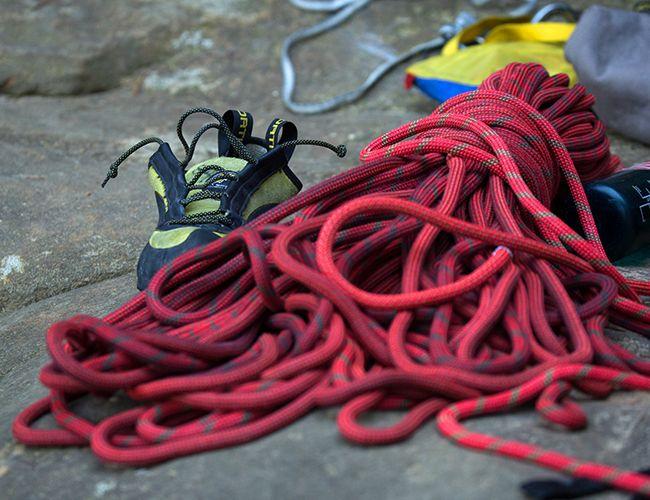 gearpatrol-climbing-rope-lead