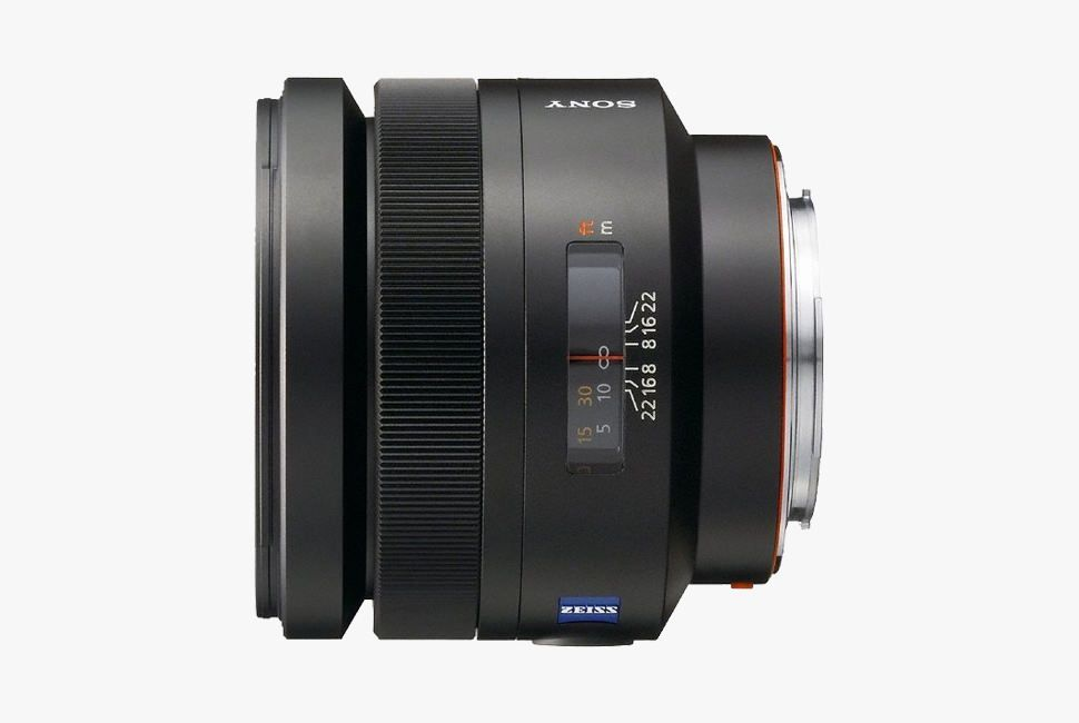Gear-Patrol-Prime-Lens-Sony-85mm